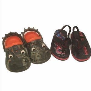 CROCS for little boy - sz 6-7 with FREE flops